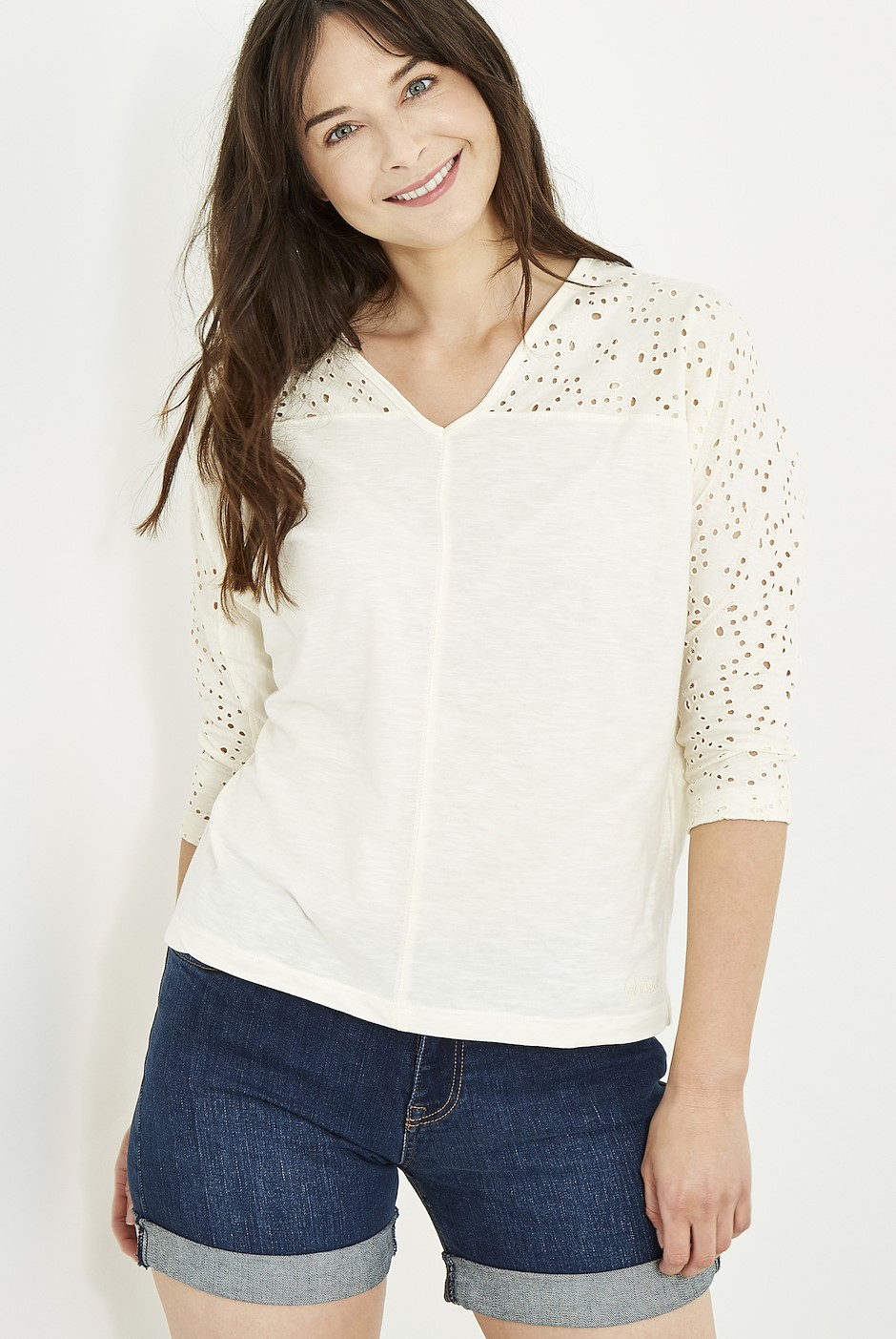 Jayla Embroidered 3/4 Sleeve T-Shirt Light Cream