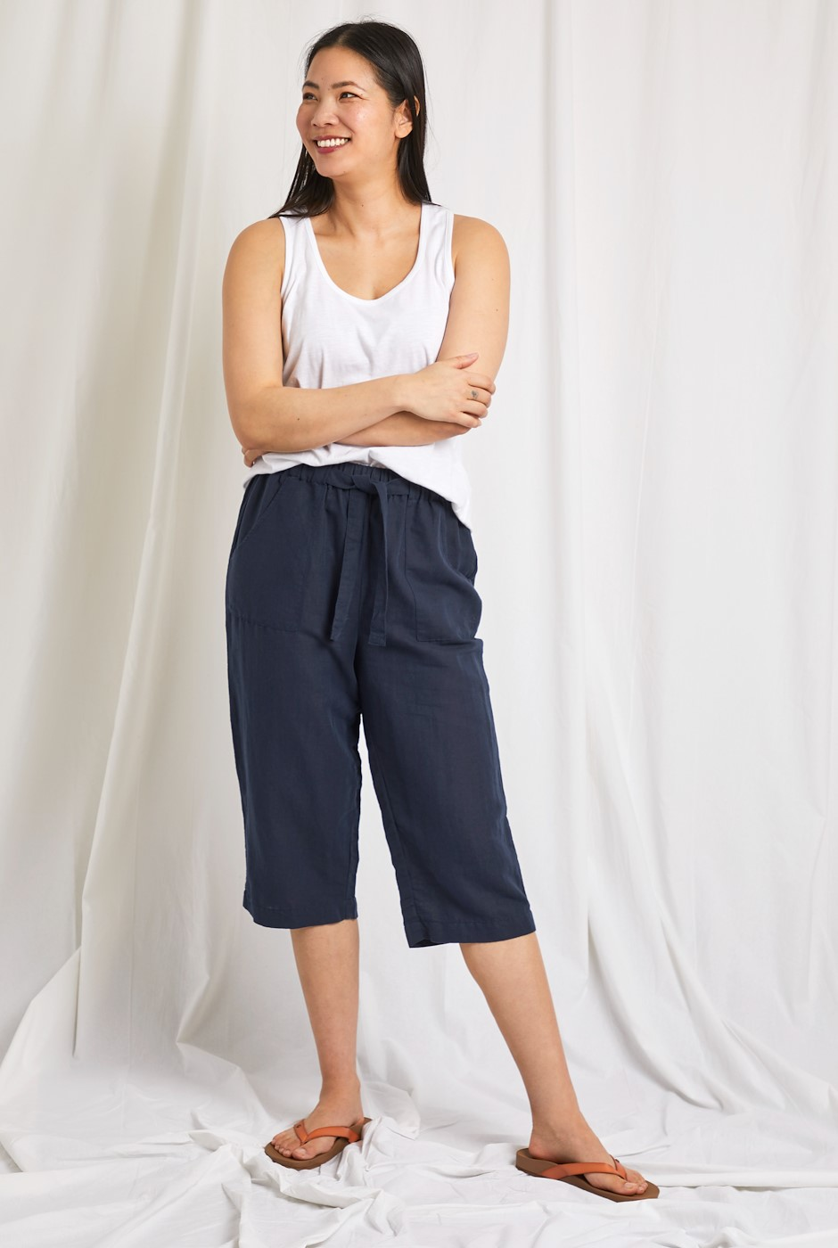 Hayling Linen Rich Crop Trouser Navy
